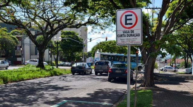 Projeto Substitutivo da Zona azul é rejeitado pelas Comissões Permanentes em Umuarama