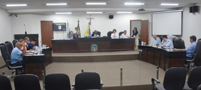Vereadores de Umuarama aprovam todos os projetos por unanimidade na última sessão ordinária de 2019