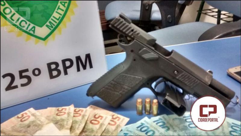 Uma pessoa foi presa pela Polícia Militar de Umuarama por posse irregular de arma de fogo
