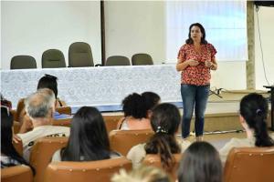 Agentes de saúde e combate a endemias são orientados sobre o Bairro Saudável em Umuarama
