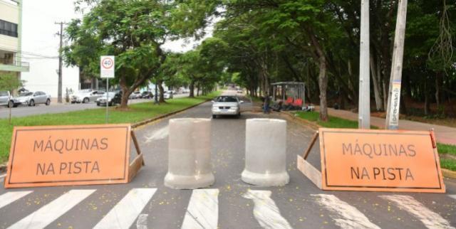 Reforço na drenagem pluvial da Castelo Branco interrompe o tráfego