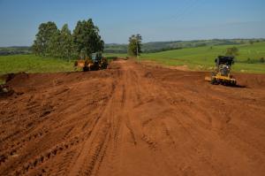 Readequação dá novo aspecto à Estrada Jaborandi em Umuarama