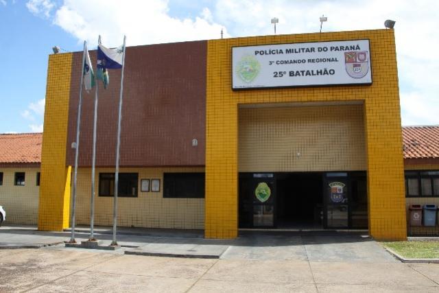 Policiais Militares do 25º BPM de Umuarama apreendem 5 simulacros e encaminham duas pessoas