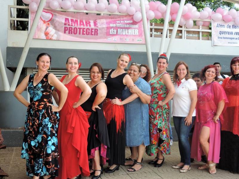 Cia de Dança IFPR Schubert de Umuarama comemora Dia Internacional da Mulher