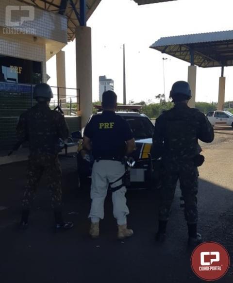 PRF e Exército Brasileiro recuperam em Guaíra caminhonete furtada na cidade de Cascavel