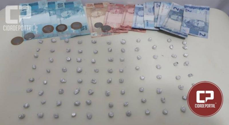 Duas pessoas foram presas em Umuarama pela Polícia Militar por associação ao tráfico de drogas