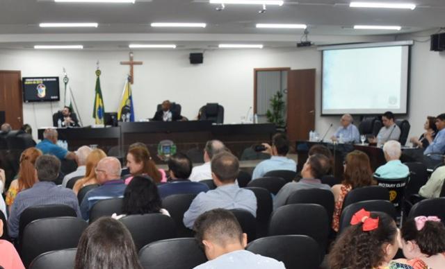 Presidência atende pedido de vereadores e desconvoca sessões extraordinárias em Umuarama