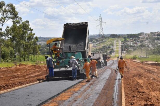 Pavimentação da Avenida Frei Orlando Busato está praticamente finalizada