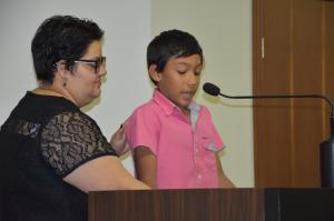 Vencedor de concurso nacional de redação, Kaiky Mello recebe votos de aplauso e faz uso da tribuna