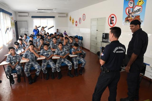 Guarda Mirim de Altônia conhece  a Guarda Municipal de Umuarama