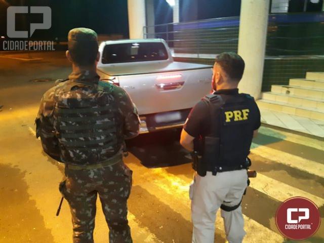 PRF e Exército recuperam em Guaíra uma caminhonete roubada em Maringá