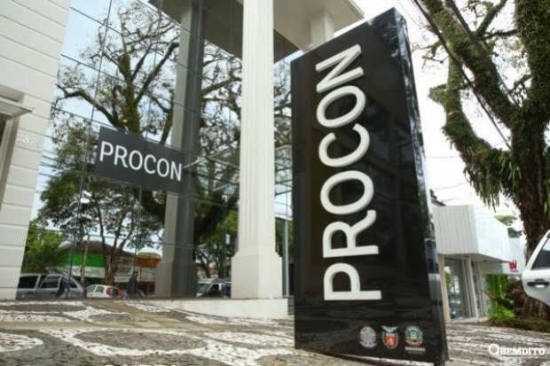 Procon de Umuarama realizou pesquisa de preços de materiais escolares