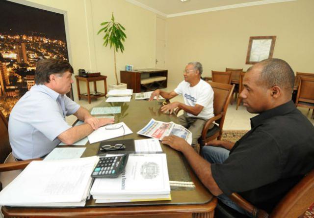 Secretaria de Agricultura receberá três veículos em Umuarama