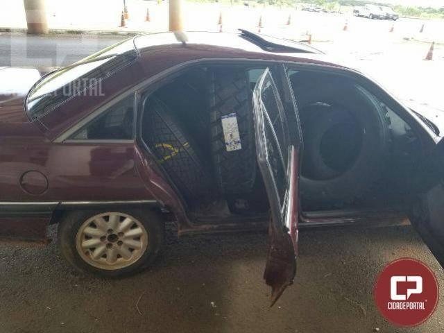 Polícia Rodoviária Federal apreende 32 pneus contrabandeados em três carros em Guaíra