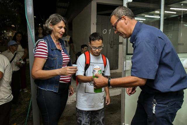 Crianças da rede municipal se divertem de graça na Expo-Umuarama