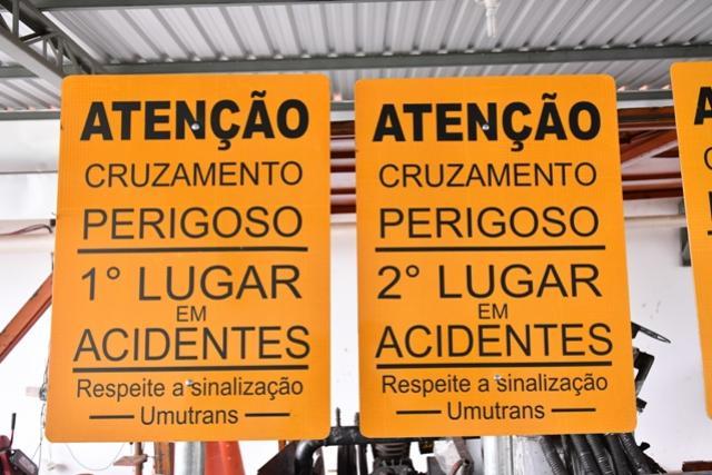 Cruzamentos em Umuarama com maiores índices de acidentes terão placas especiais