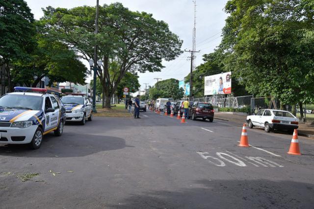 Maio Amarelo tem blitz de fiscalização do trânsito em Umuarama