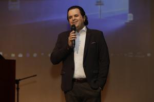 ARTE EM AÇÃO: Em evento cultural, AULA presta homenagem ao fundador da Unipar
