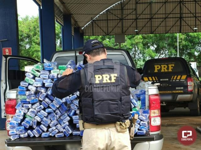 PRF apreende 209 kg de maconha em Francisco Alves
