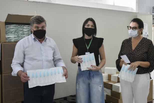 Umuarama recebe insumos que serão usados na vacinação contra Covid-19