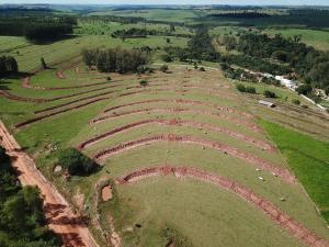 Prefeitura de Umuarama e Seab atendem produtores da APA com conservação de solo