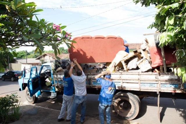 Em combate à dengue, Bairro Saudável  coleta quase 290 toneladas de resíduos