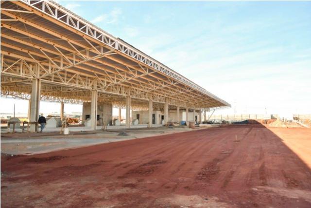 Construção do novo Terminal Rodoviário de Umuarama começa a receber pavimentação