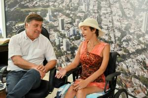 Cadeirante agradece ao município de Umuarama por execução de obras de acessibilidade