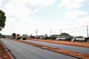Pavimentação da Avenida Ivo Shizuo Sooma entra na reta final