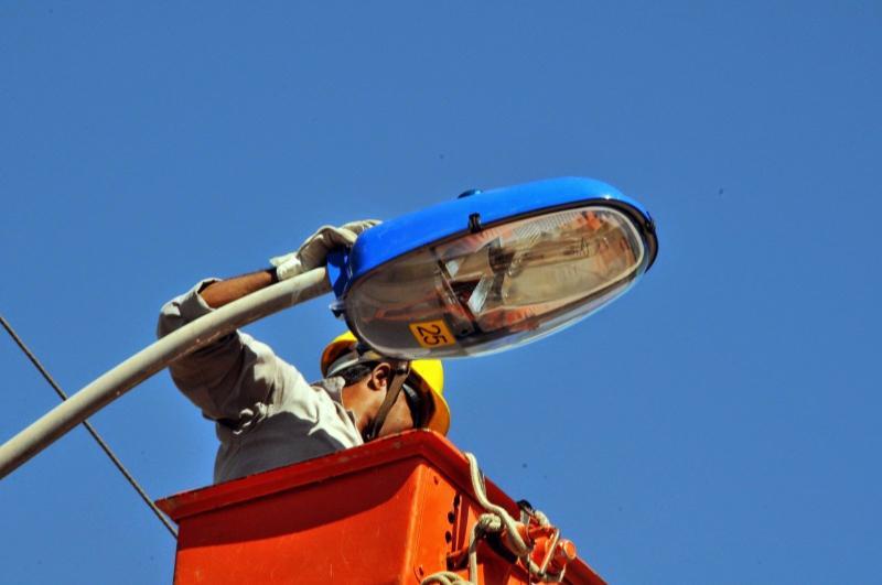 Iluminação pública em praças e avenidas de Umuarama recebe vistoria