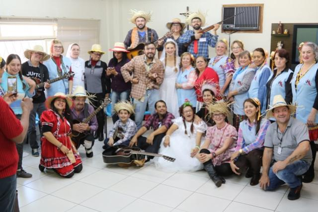 Festa junina anima pacientes do Hospital Uopeccan em Umuarama