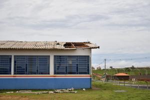 Chuva destelhou parcialmente cerca de 20 casas em Umuarama