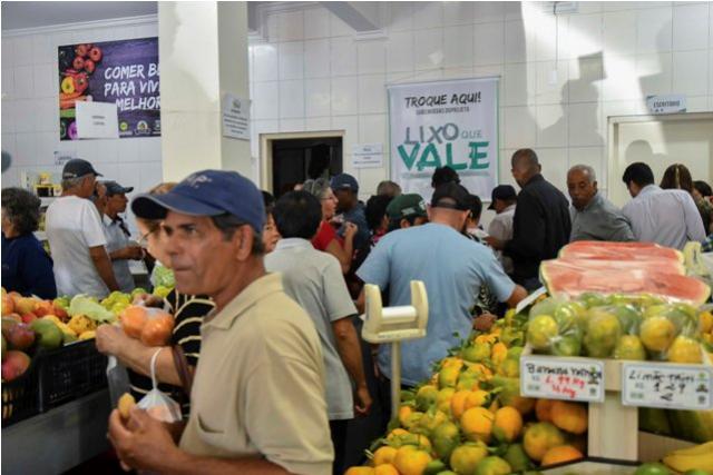 Sacolão do Produtor completa um ano com crescimento expressivo em Umuarama