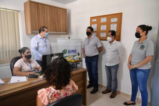 Agência do Trabalhador Itinerante oferta vagas de empregos no Cras do Parque Dom Pedro em Umuarama