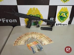 BPFron apreende fuzil e carregadores em ônibus durante Operação Hórus na cidade de Guaíra