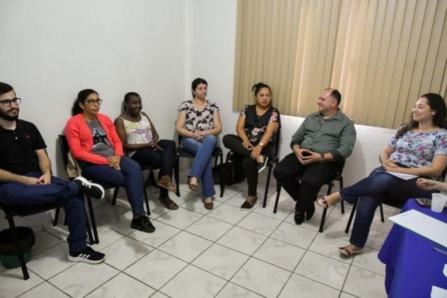 Família Acolhedora capacita famílias para receber crianças e adolescentes em Umuarama