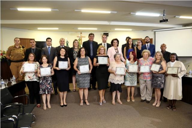 Câmara de Umuarama fecha o mês com sessão comemorativa ao Dia Internacional da Mulher
