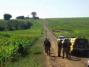 Forças policiais da região realizam bloqueios e buscas para localizar assaltantes do Sicredi em rancho