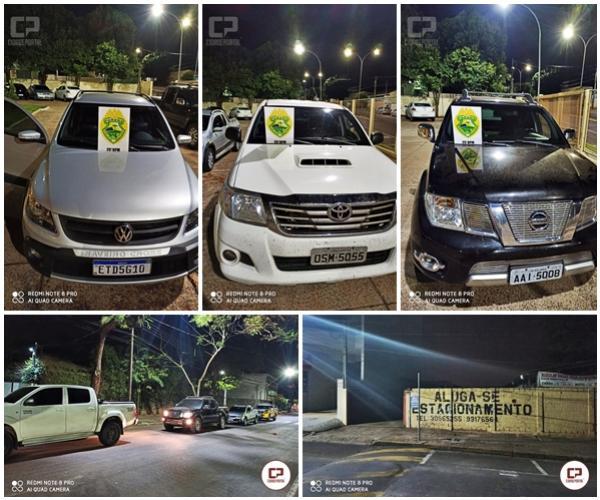 Veículos preparados para o contrabando e carga com 300 celulares foram apreendidos pela PM do 25º BPM