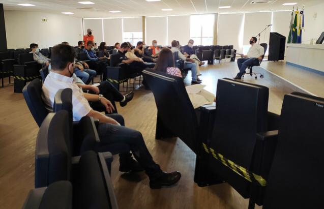Prefeitura de Umuarama intensifica ajuda a moradores de Roberto Silveira