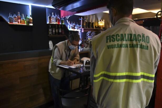 Fiscalização flagra desrespeito às medidas contra pandemia definidas por decretos
