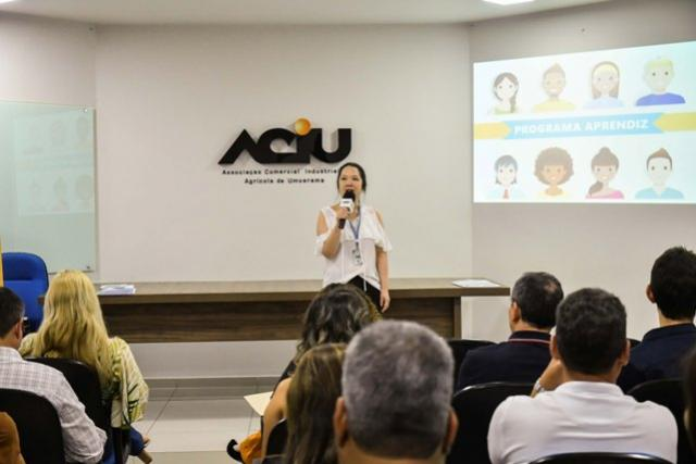 Agências de Umuarama são orientadas a aproximar aprendiz e PCD do mercado de trabalho
