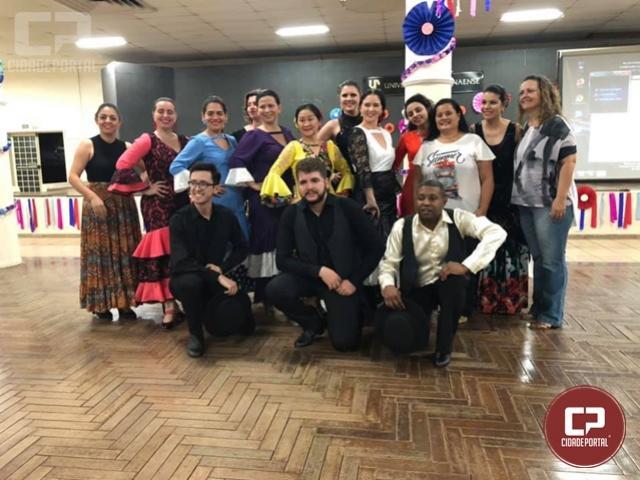 Cia de Dança IFPR Schubert participa do 1º Festival de Folclore da Unipar em Umuarama