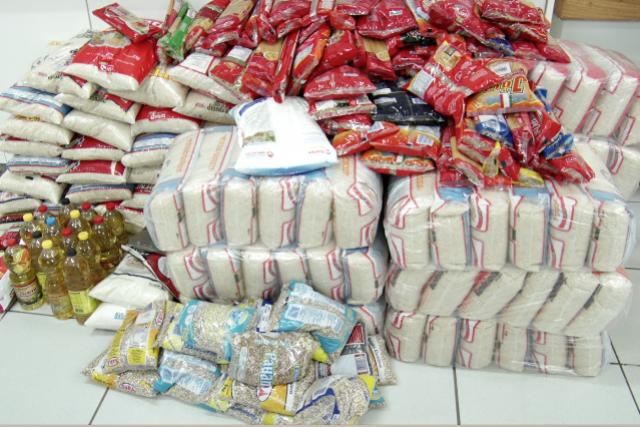 Estudantes arrecadam cinco toneladas de alimentos para entidades em Umuarama