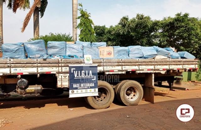 BPFron apreende caminhão carregado com cigarros contrabandeados em Alto Paraíso