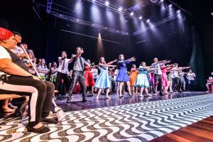 Cia IFPR Schubert apresentou o espetáculo A Vida é uma Dança com casa cheia