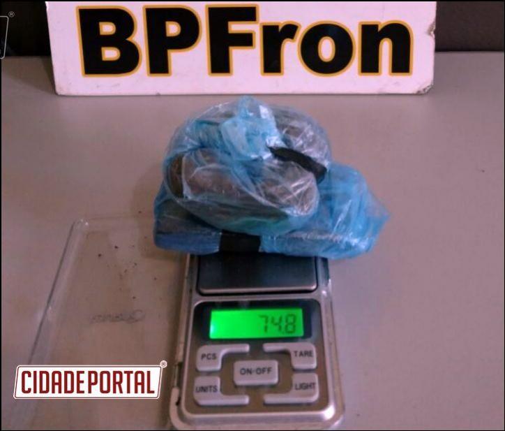 Trabalho ostensivo do BPFRON retira outra pessoa com drogas de circulação na cidade de Guaíra