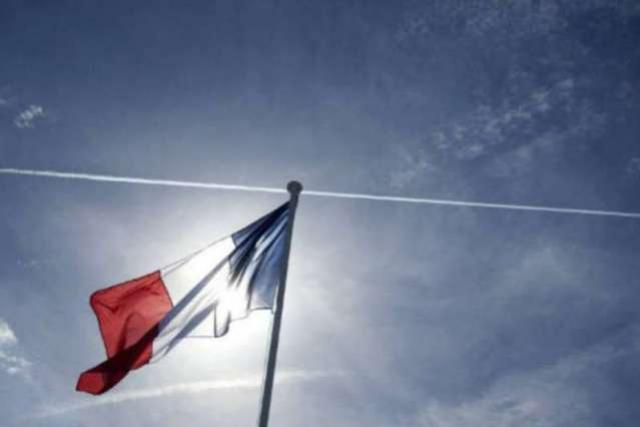 Universidade na França oferece bolsas de estudo de até 12 mil euros