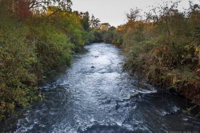 IAT e usuários dos recursos hídricos do Rio Azul, no Oeste, debatem uso da água