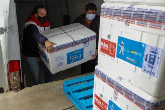 Imunizantes que chegaram nesta quinta ao Paraná serão usados para completar esquema vacinal